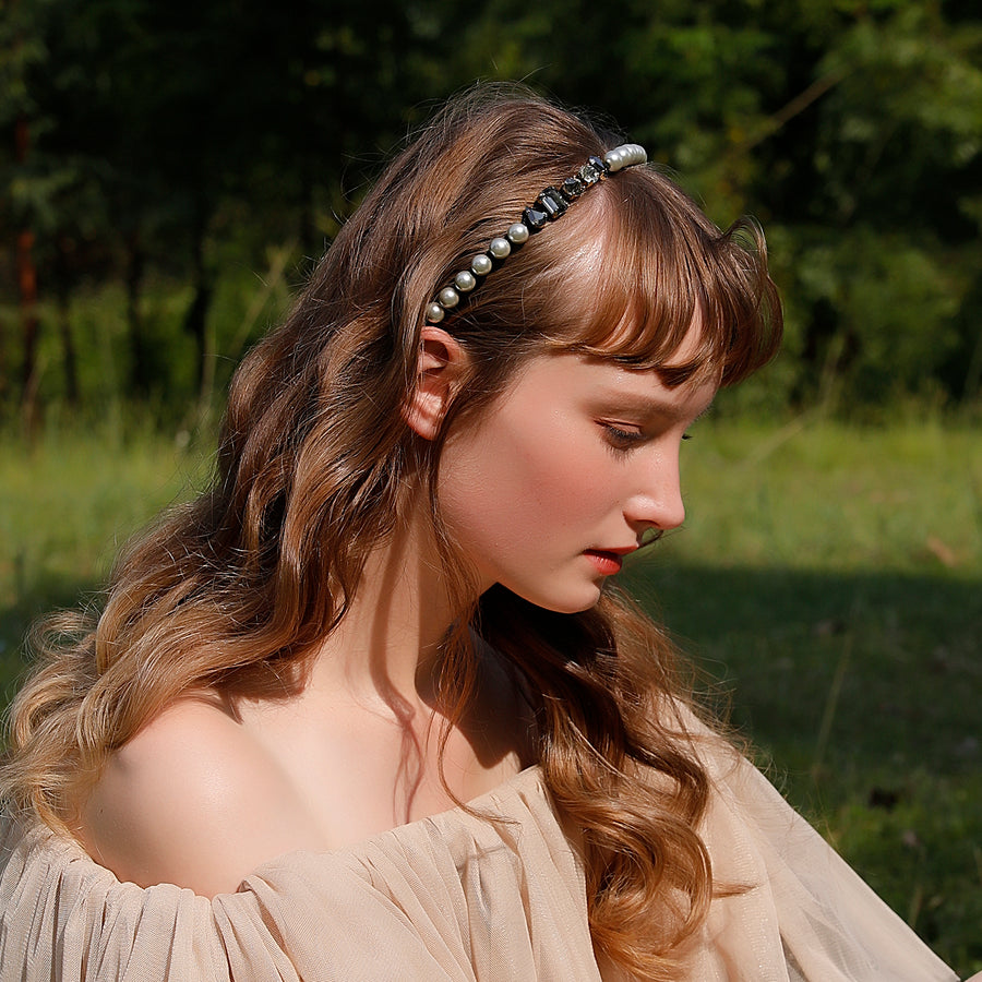 Headband Embellished With Pearls And Crystals
