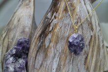 Load image into Gallery viewer, Amethyst Druzy Crystal Gold Necklace