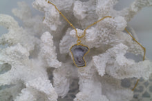 Load image into Gallery viewer, White Geode Druzy Agate Gold Necklace