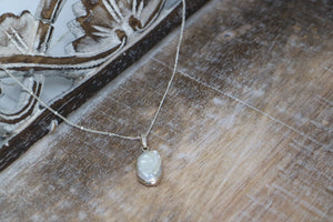 Mother of Pearl Shell Silver Necklace