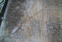 Load image into Gallery viewer, Rose Quartz Crystal Rose Gold Necklace