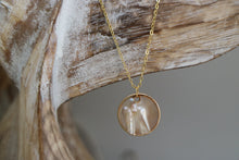 Load image into Gallery viewer, Mother of Pearl Gold Necklace