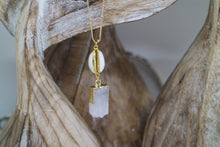 Load image into Gallery viewer, White Druzy Quartz gold necklace with shell