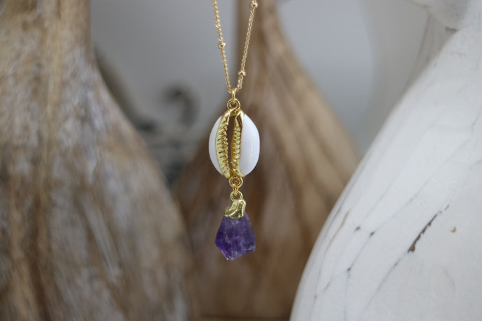 Amethyst gemstone shell gold necklace