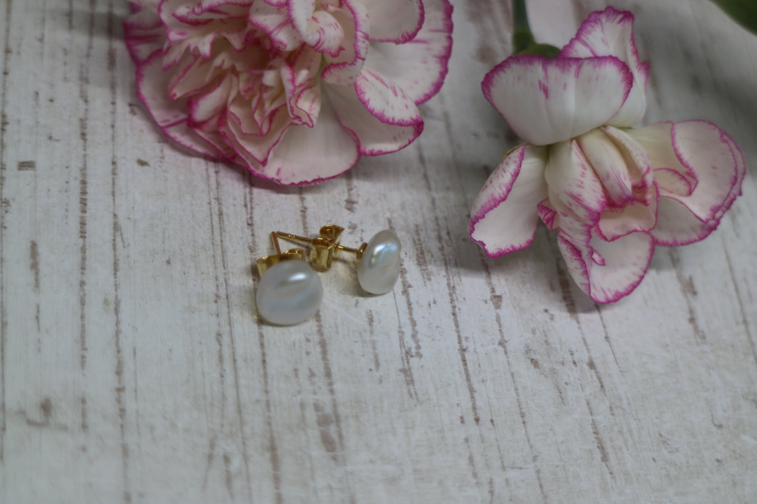 Fresh Water Pearl Gold Earring Studs