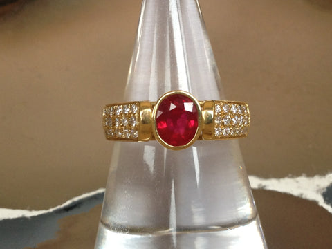 Ruby 1.00ct, Pave Diamonds 0.33ct, 18k YG