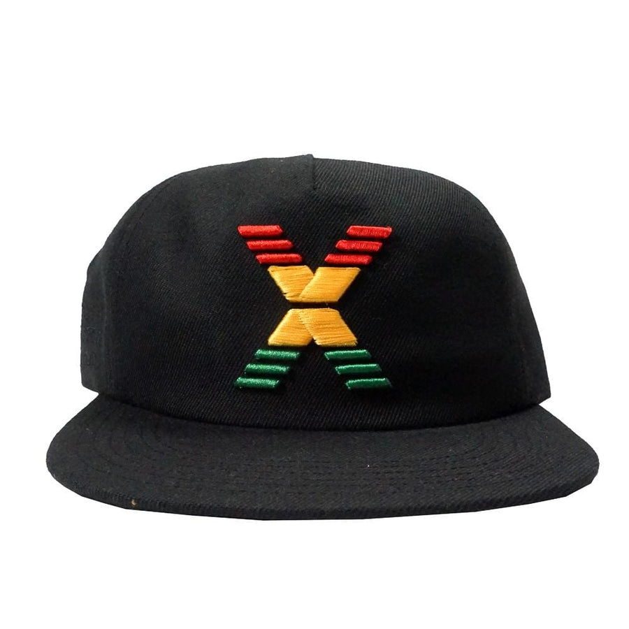 Conflux Snapback Hat in black