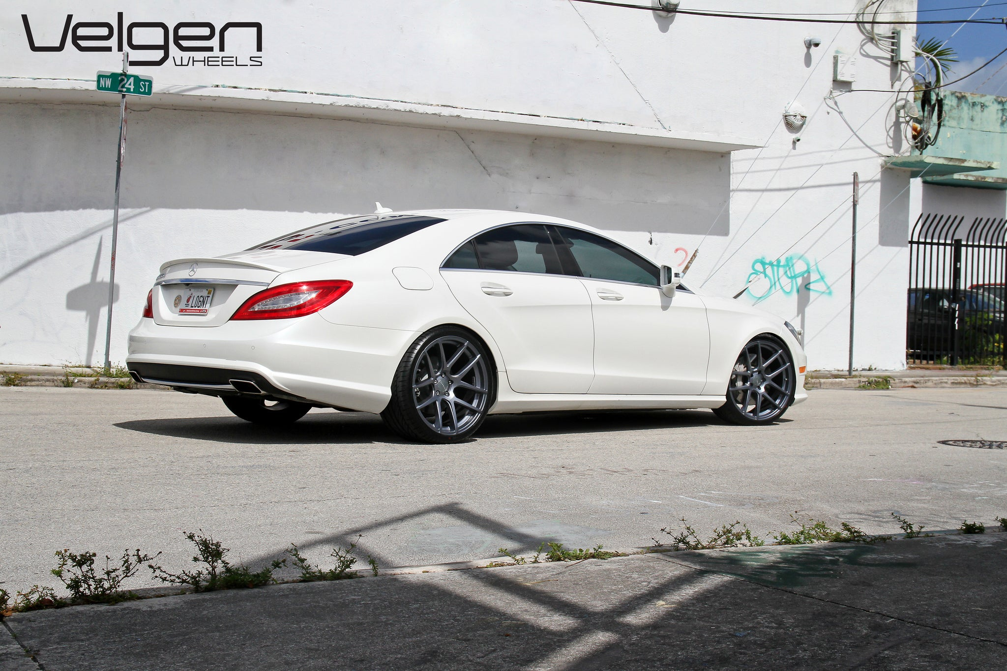 CLS550 lowered on Velgen VMB5