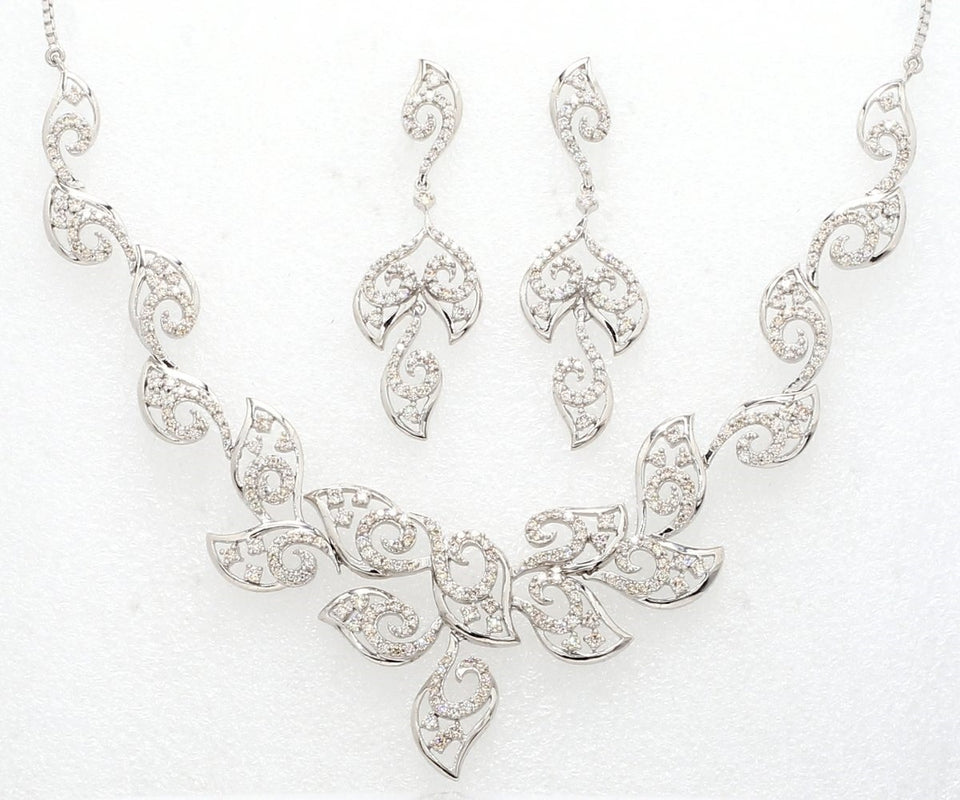 Front View of Heavy Platinum Necklace with Diamonds JL PT N36
