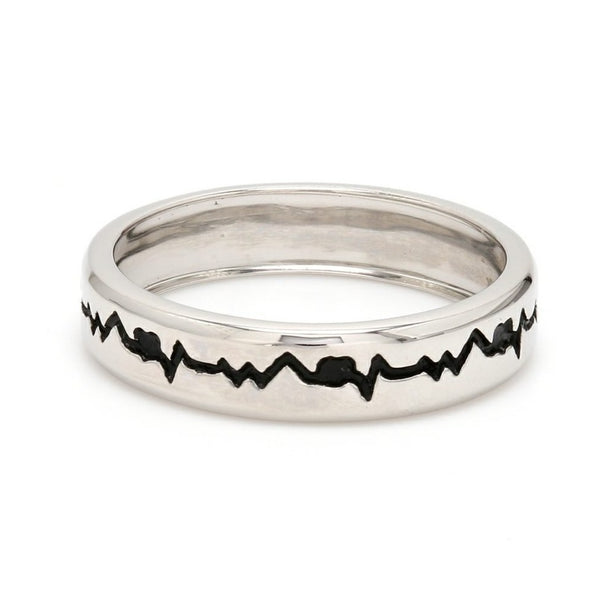 The Heartbeat Platinum Ring with Black Engraving JL PT 575