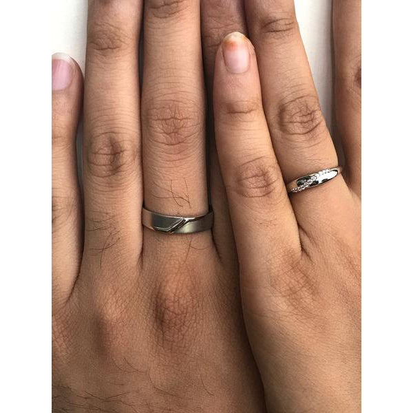 JL PT 453 Platinum Couple Rings actual photo on fingers. How the rings look when worn on hand.
