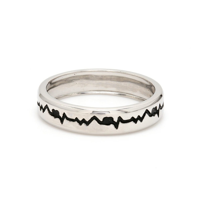 Side View of The Heartbeat Platinum Ring with Black Engraving JL PT 575