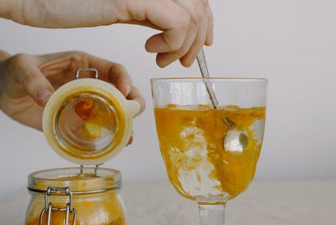 How to use honey for irregular periods