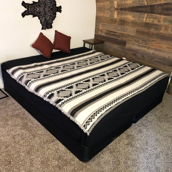 Quechua Black and White Full Size Alpaca Wool Blanket| Geometrical Native Blanket| Wedding Gift