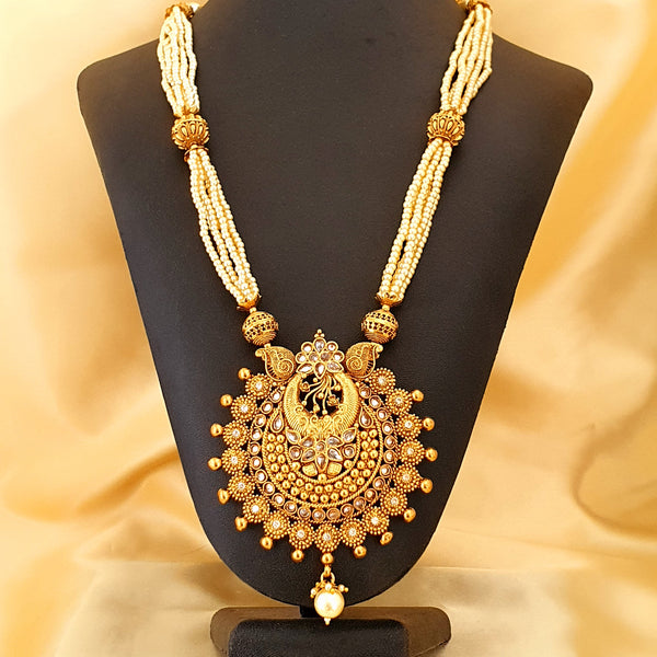 Necklace with a set of earrings