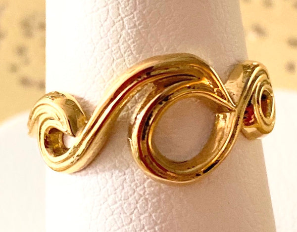 14k Gold Wave Ring - Size 6.25