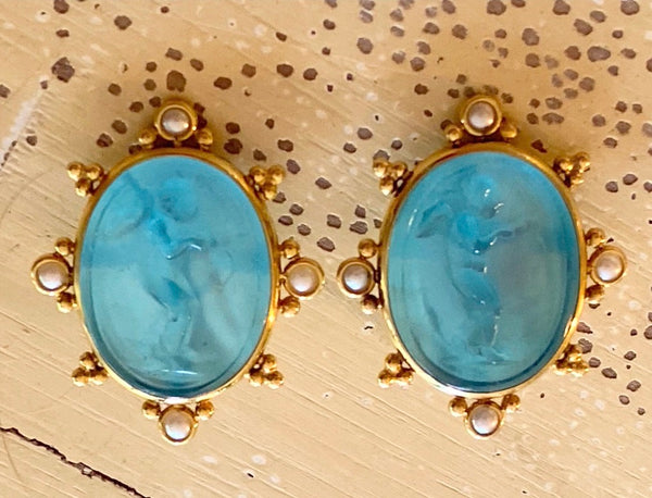 Handcarved Vincian Glass Clipon Earrings - Cherubs with bows