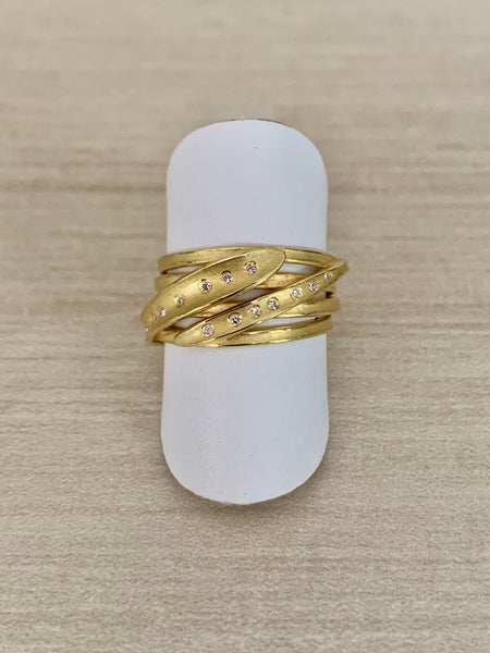 18k Gold and Diamond Wrapped Ribbon Ring