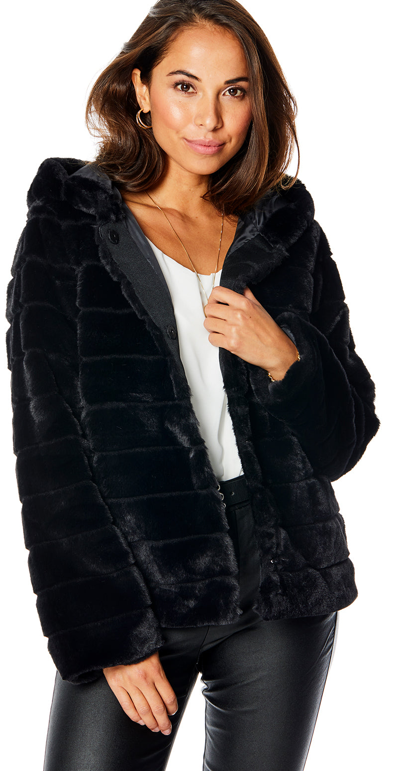 Sort faux fur med hætte
