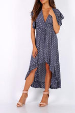 Laden Sie das Bild in den Galerie-Viewer, Kleid Millie navy - Gluecksboutique®