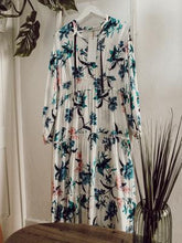 Laden Sie das Bild in den Galerie-Viewer, Maxikleid Flower Power - Gluecksboutique®