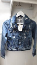 Laden Sie das Bild in den Galerie-Viewer, Jeansjacke Core mid used Pepe Jeans - Gluecksboutique®