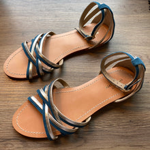 Laden Sie das Bild in den Galerie-Viewer, Sandalen Baker Goat Sue Petite Mendigote - Gluecksboutique®