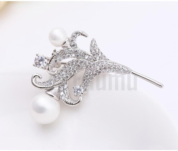 Lilly and Pearl Brooch - Enumu