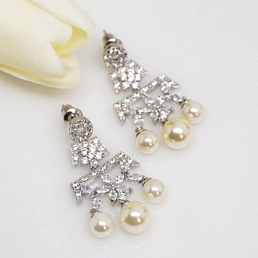 Pearl Flower Dangle Earrings - Enumu