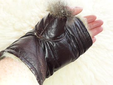 Fingerless Possum Mitts with Thumbs