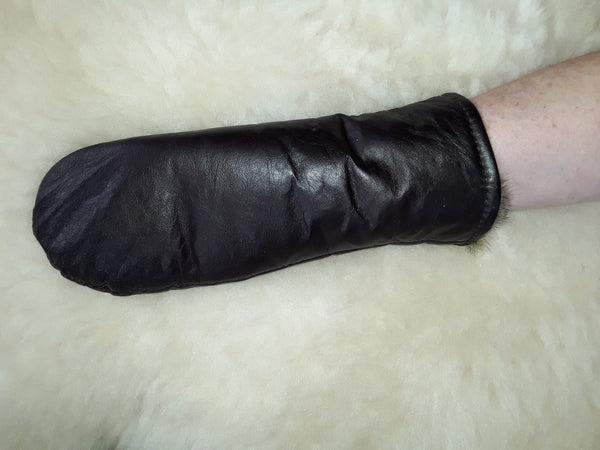 Possum sheath/thumbless glove