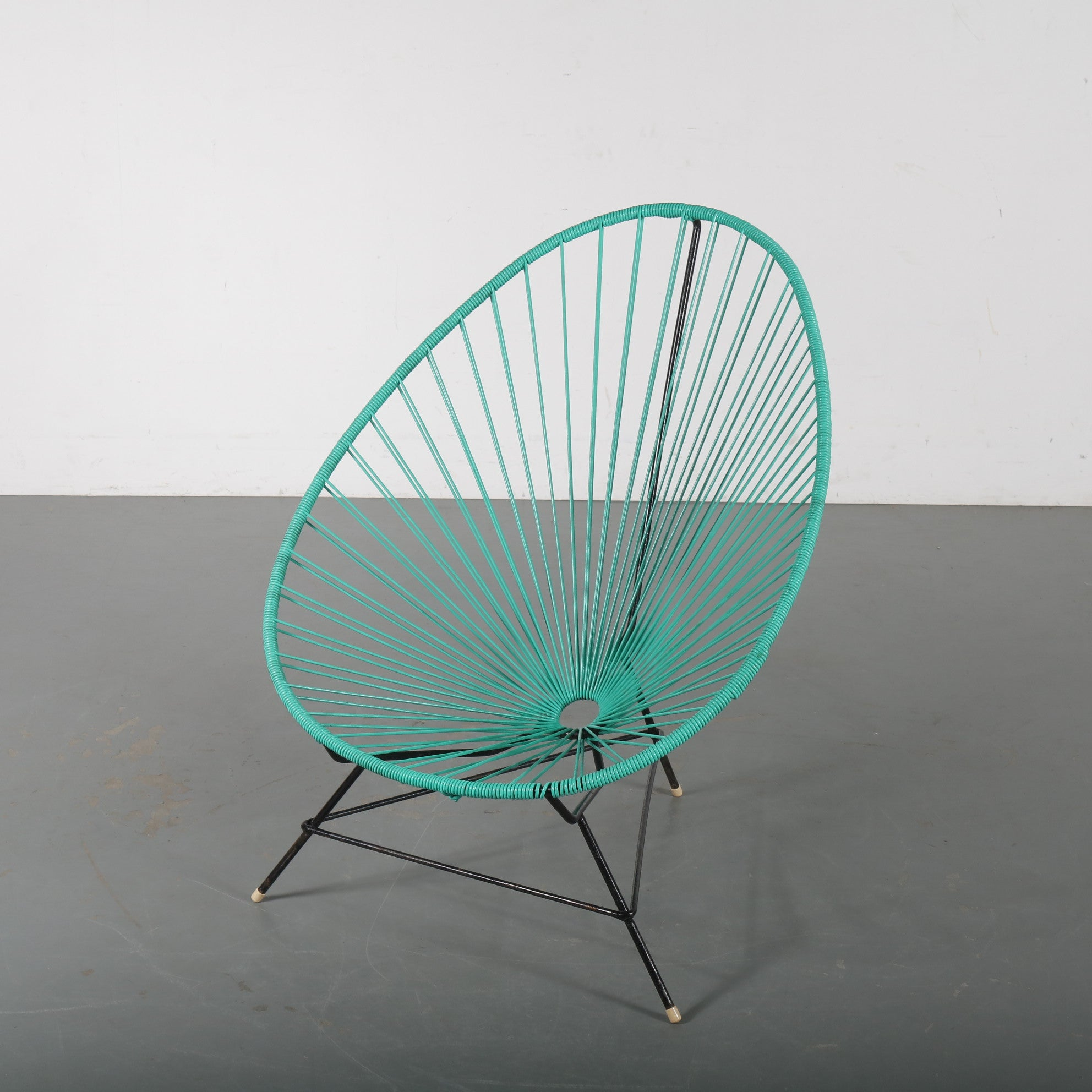 Tweedehands design 1950s Acapulco garden chair, made in Mexico
