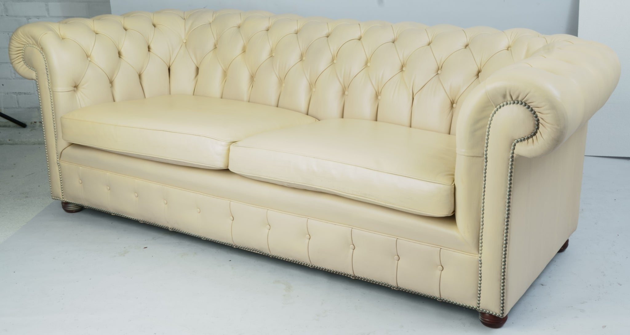 Tweedehands design 3-zits Chesterfield bank