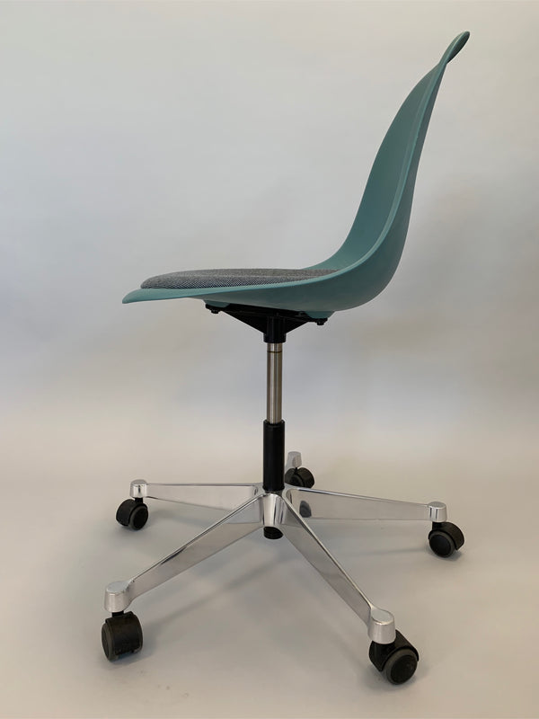 Tweedehands design 4x Vitra PSCC (Pivot Side Chair)