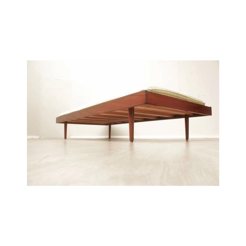 MS Uithoorn Holland vintage daybed