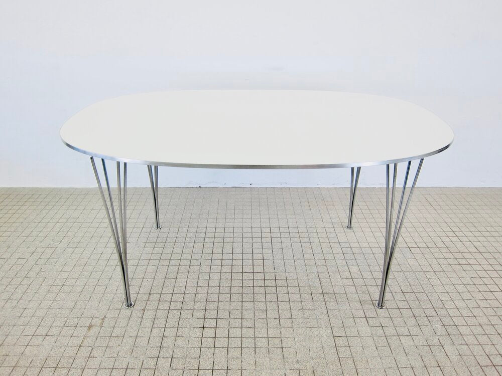Tweedehands design Fritz Hansen Super-Elliptical dining table vintage design