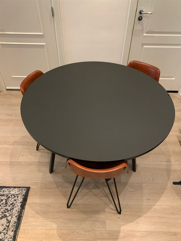 Tweedehands design Hay Loop Stand Round Table