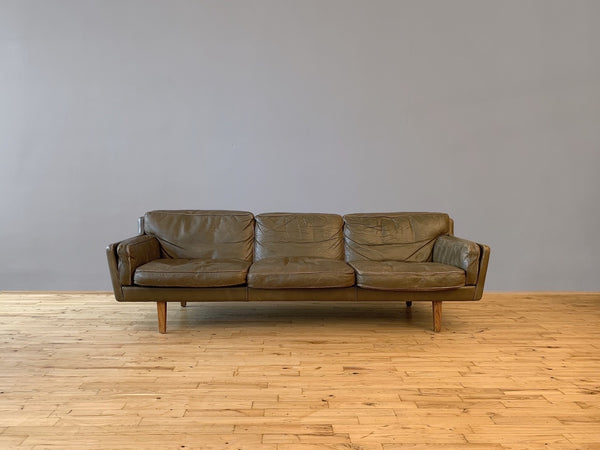 Tweedehands design Illum Wikkelsø sofa