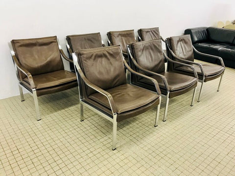 Knoll 'Alpha' lounge chairs