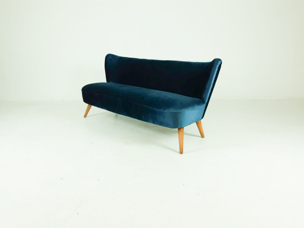 Tweedehands design Mid-century velvet 'cocktail' sofa, 1960's