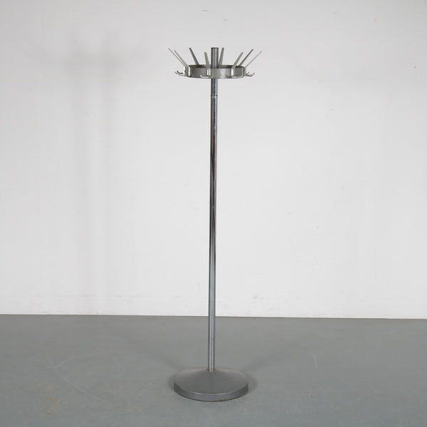 Tweedehands design Oostwoud, Free standing coat rack manufactured in the Netherlands 1960s