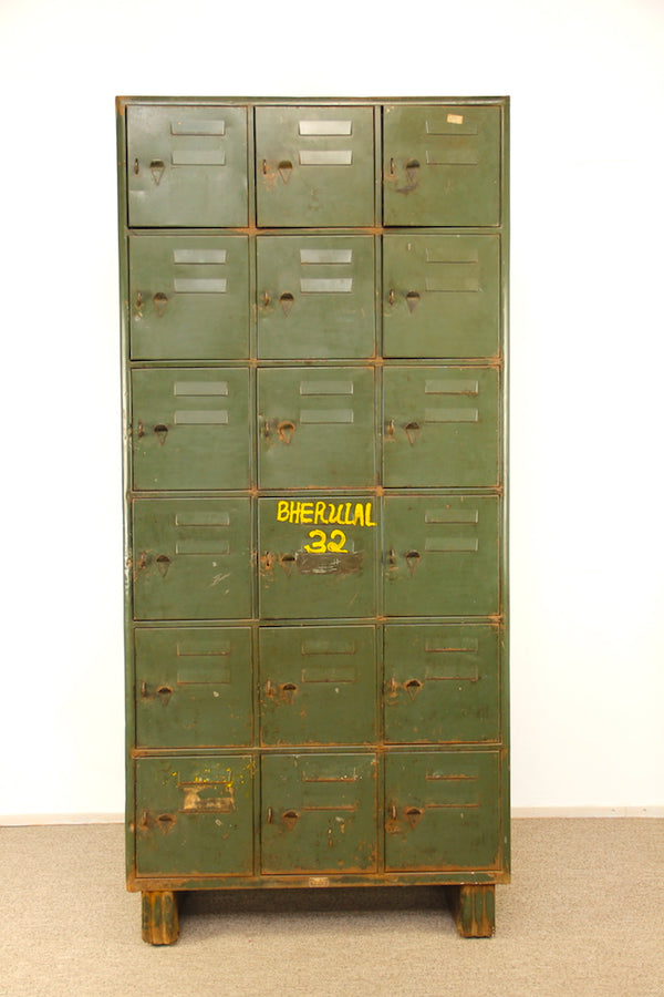 Tweedehands design Vintage Military Lockerkast