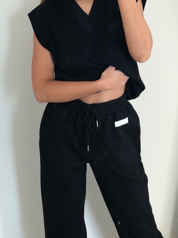Embroidered Kiki Joggers Black