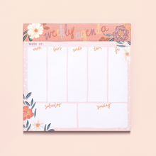 Load image into Gallery viewer, Floral Agenda & List Pad - The Dallas Gordon Collection