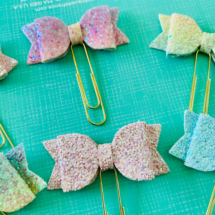 Allure - Glitter Bow Planner Paper Clips - The Dallas Gordon Collection