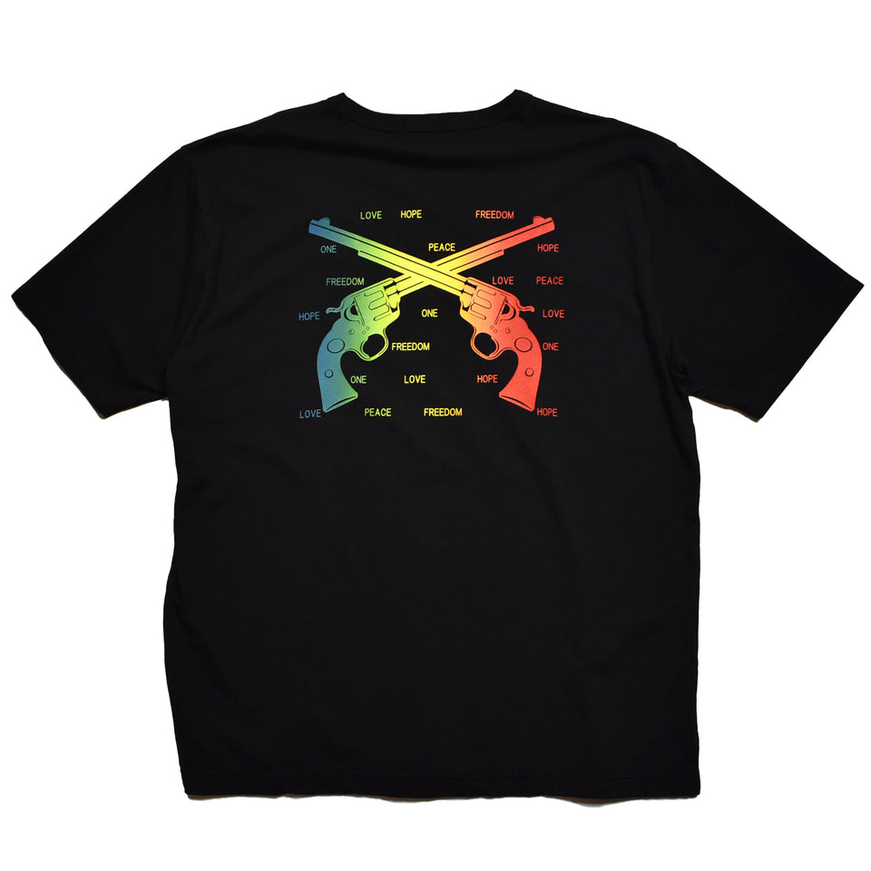 Load image into Gallery viewer, RAINBOW CROSSGUN OVERSIZE T / BLACK