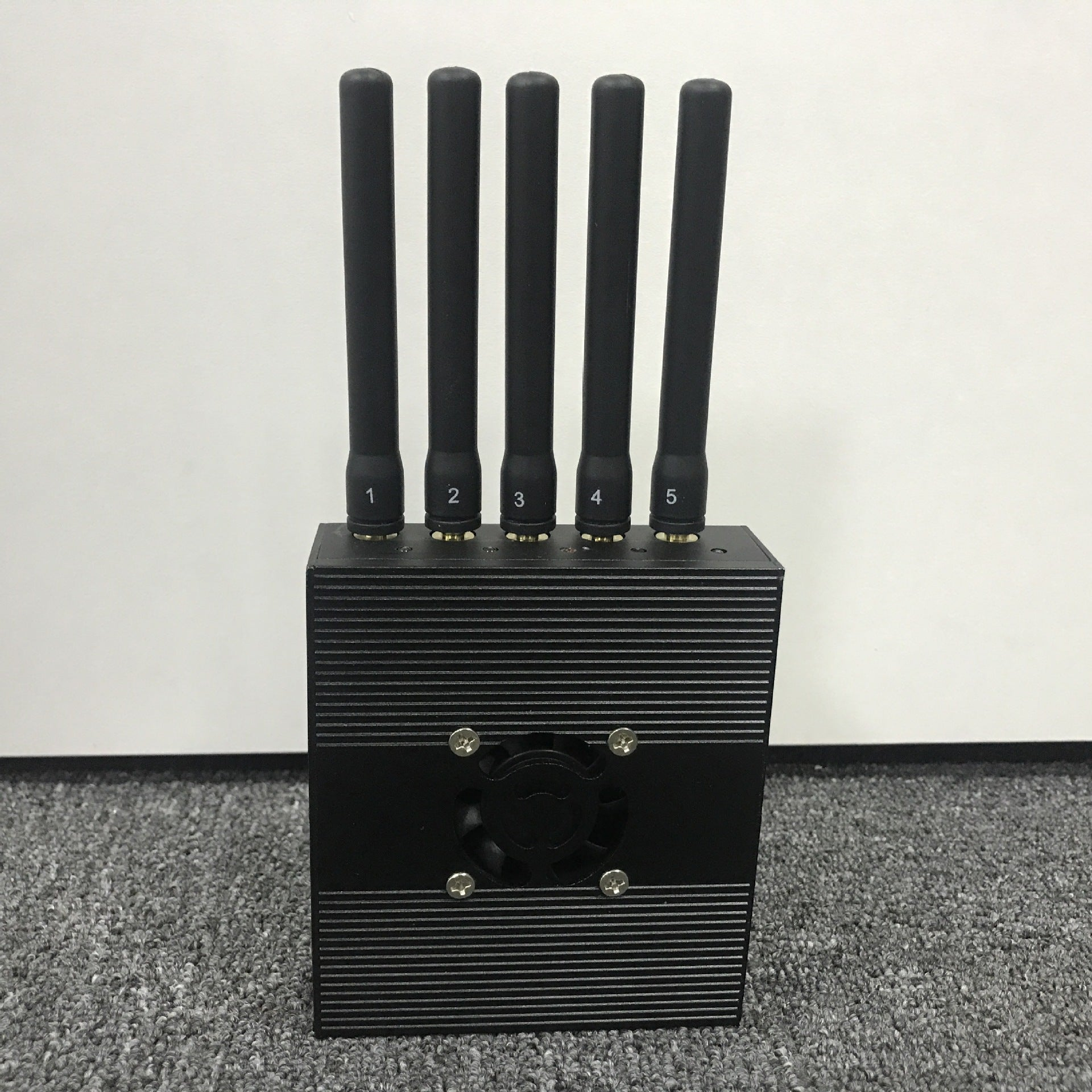 Anti-positioning shielding device anti-GPS, Beidou, base station signal positioning protection privacy