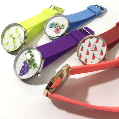 18 classic circular screen cartoon phone watch can take pictures