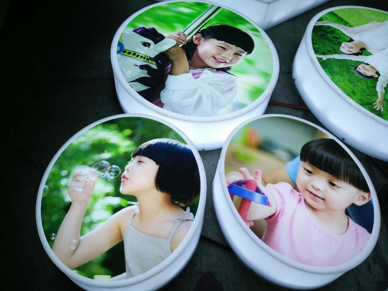 UV-printed body luminous characters, clear picture, high-grade appearance, suitable? Various occasions, energy saving
