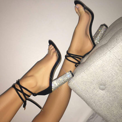 European station 2018 European and American foreign trade explosion models cross-border new high-heeled women's shoes rhinestone thick heel straps transparent heel sandals